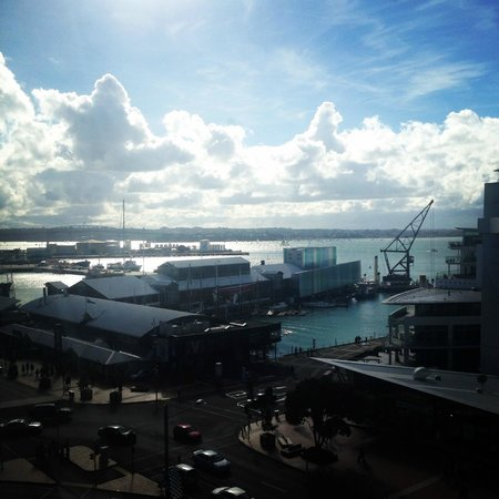 Copthorne Hotel Auckland HarbourCity: view from 7th floor