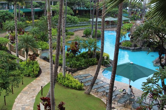 Marriott's Maui Ocean Club  - Lahaina & Napili Towers: View of hotel grounds from room