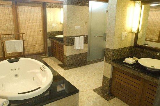 Serene Pavilions: washroom