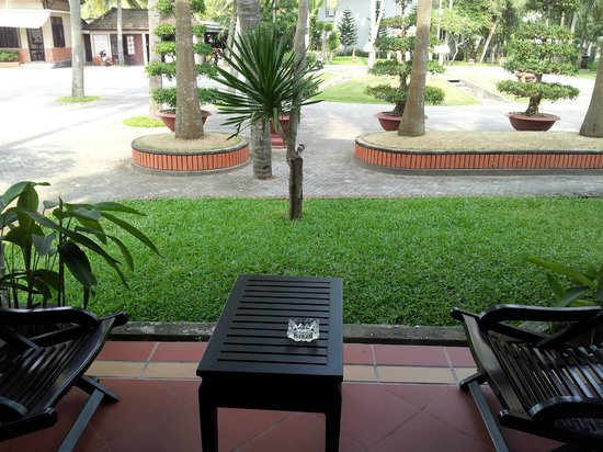 Hoi An Beach Resort: grounds