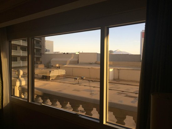 Caesars Palace : Spectacular View from the 5th Floor :(