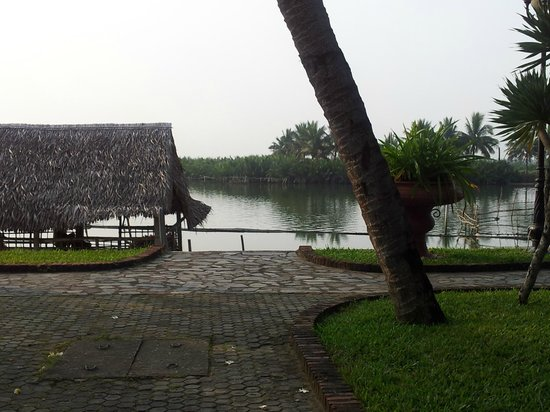 Hoi An Beach Resort: view of river