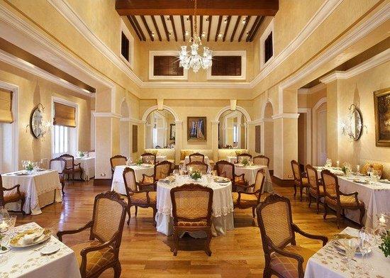 Taj Falaknuma Palace: Restaurant