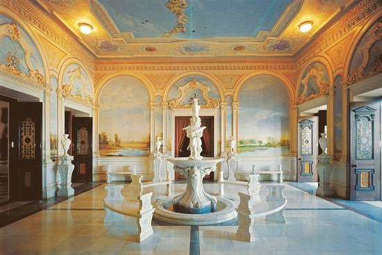 Taj Falaknuma Palace: Lobby
