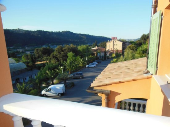 Lou Castelet Restaurant Residence Hoteliere: View from balcony