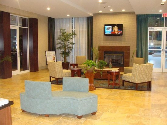 Holiday Inn Dothan: Hotel Lobby