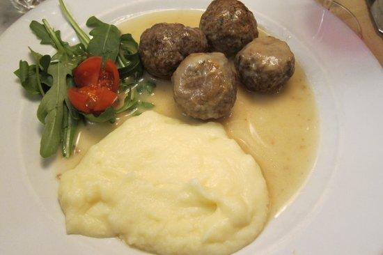 Osteria la Quercia: meat balls in a white wine sauce