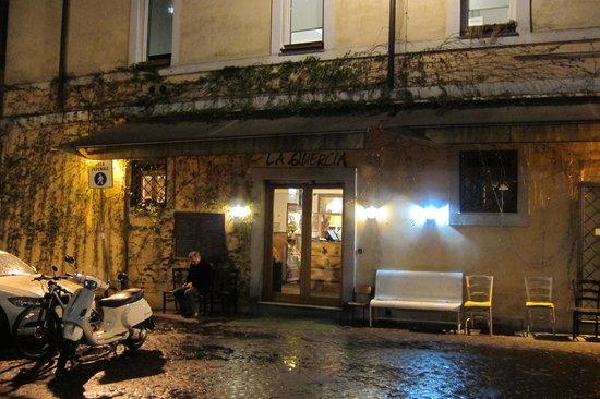 Osteria la Quercia: front of restaurant