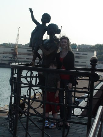 Sailor`s Wife Monument: Passenger Sea Terminal. Sailor's wife monument