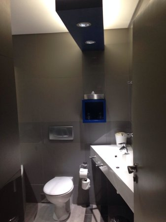 Garden Court Milpark : Bathroom