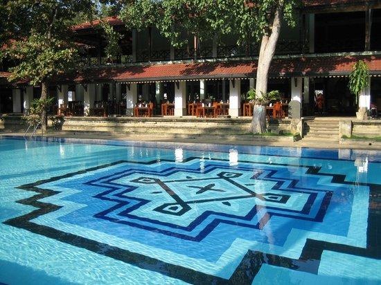 Cinnamon Lodge Habarana: Pool area