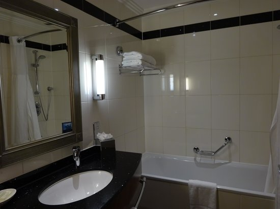 Hilton London Paddington: バスルーム