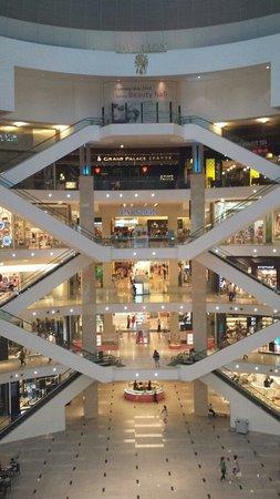 Pavilion KL: Center Mall