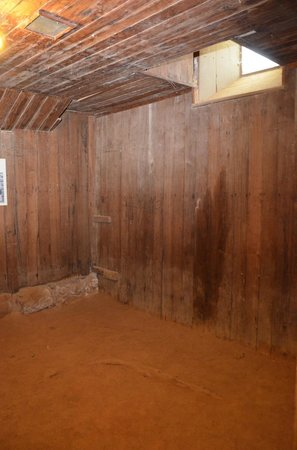Beechworth Historic Courthouse: Harry Power's cell under the Town Hall
