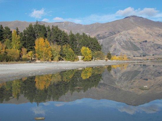 Lake Wanaka : autun reflections