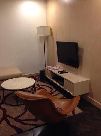 Fraser Suites Singapore: Living room