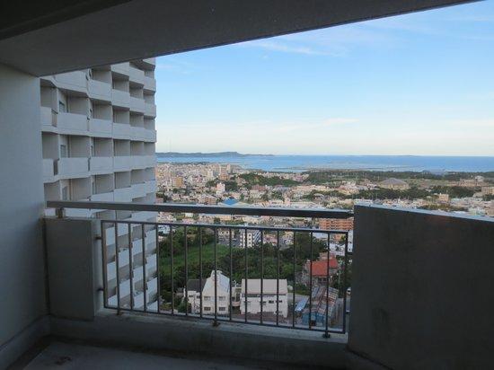 Okinawa Grand Mer Resort: 窓からの眺め