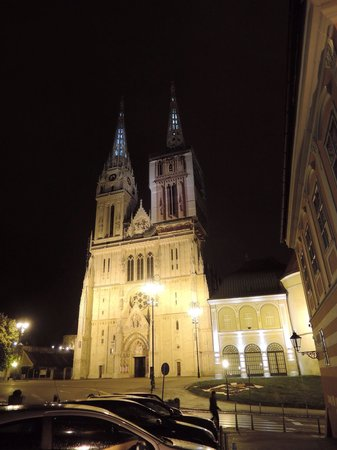 Upper Town (Gornji Grad) : The gigantic cathedral overlooking Kapitol
