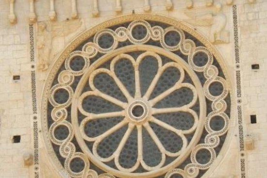 Duomo Spoleto: Rosone