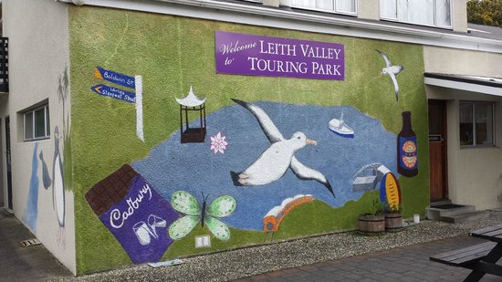 Leith Valley Holiday Park & Motels: Main block