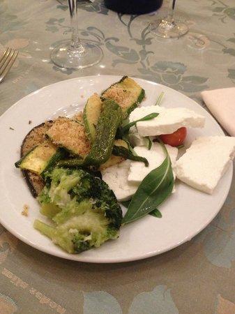 Incanto Hotel: Antipasto a buffet buonissimo