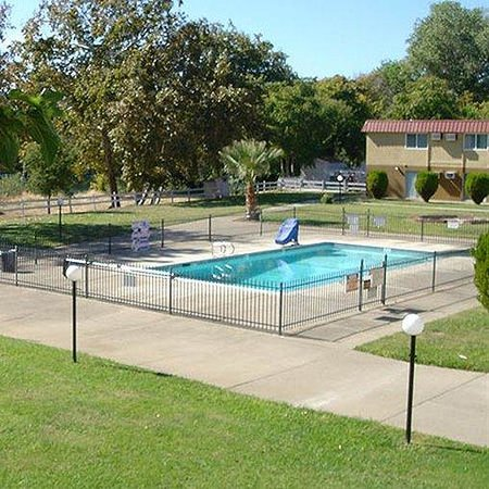 Travelodge Red Bluff : Riverbank Inn Red Bluff Pool