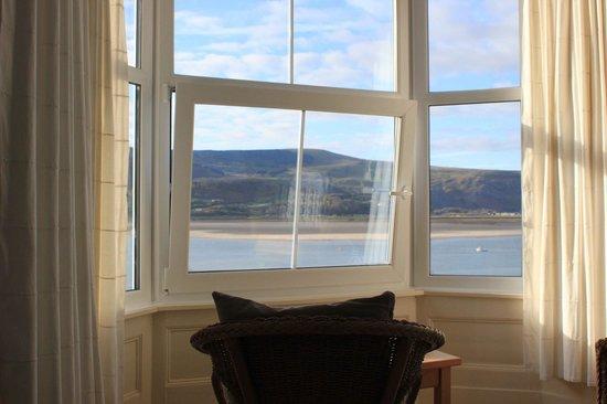 Dros y Dwr: room view