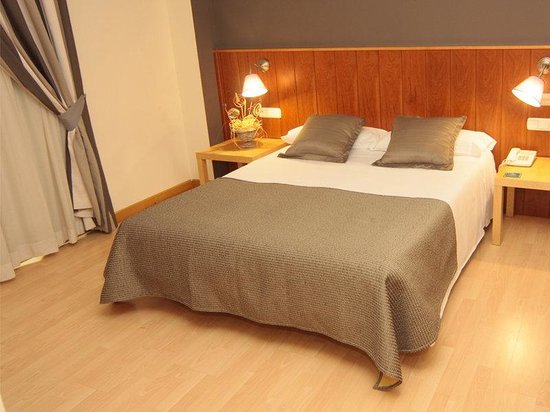 Hotel Iriguibel: Hotel Huarte Pamplona Iriguibel Habitacion