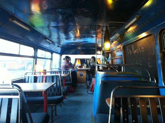 Senza Meta - La Dublino dei Dublinesi Tour in Italiano/inside Dublin walking tour: Bus? No, ristorante!