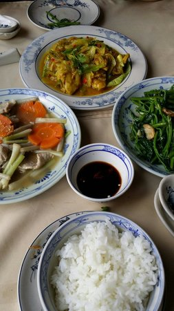 Huong Lai: Delicious dishes.