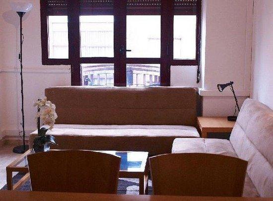 Stylish City Aparthotel: Guest Room