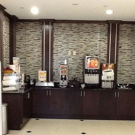 Muskogee Inn and Suites: FreeContinental Breakfast