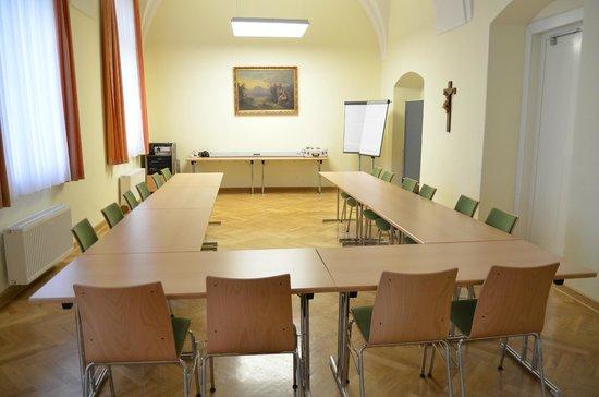 Gästehaus im Priesterseminar Salzburg: Seminarraum für bis zu 20 Personen