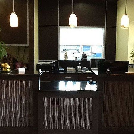 Muskogee Inn and Suites: Lobby