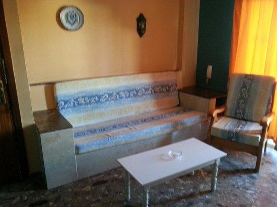 Carihuela Park Palace : Vista parcial del salon-comedor