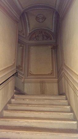 B&B Al palazzo: Scalone d'accesso