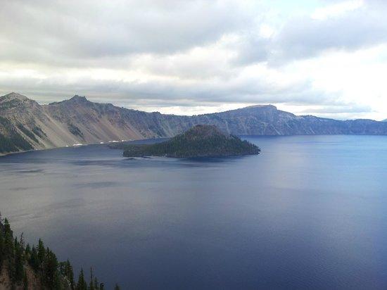 Crater Lake Lodge : レストラン脇のテラスから