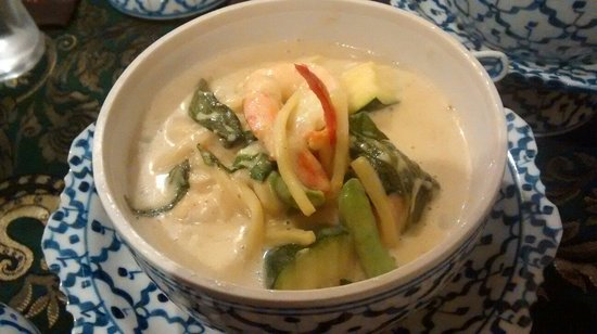 Supattra Thai Restaurant: Thai green curry with black tiger prawns
