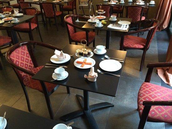 Hotel Rubens - Grote Markt: Breakfast tables