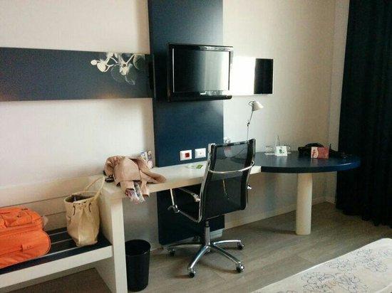 Holiday Inn Milan Nord-Zara: Camera