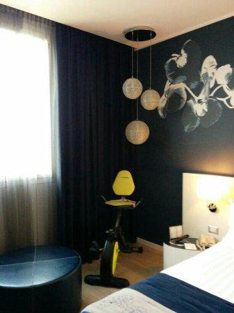 Holiday Inn Milan Nord-Zara: Attrezzi ginnici in camera