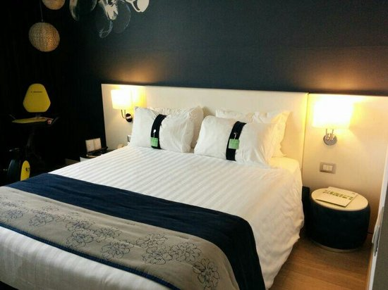 Holiday Inn Milan Nord-Zara: Letto
