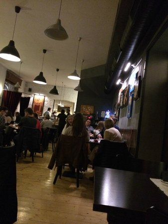 U Kroka : Restauranten er meget åben og venlig
