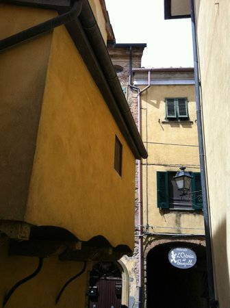 L'Osteria del Pinzagrilli : L'ingresso dalla strada