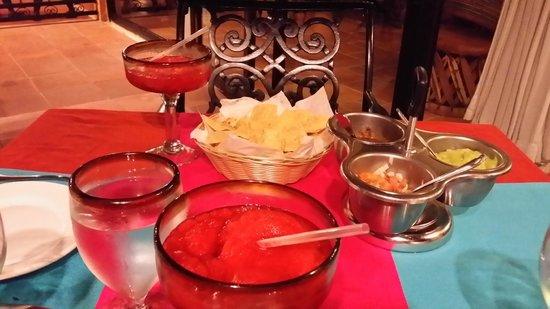 Viva Wyndham Maya : Don Diégo : Apéritif Téquila glacé, guacamole et tortilla