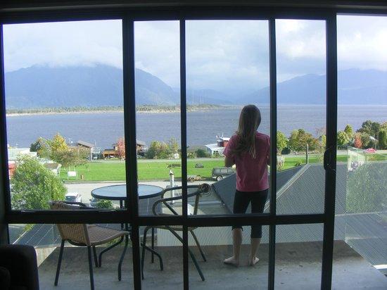 Lake Brunner Resort : View from upper lounge