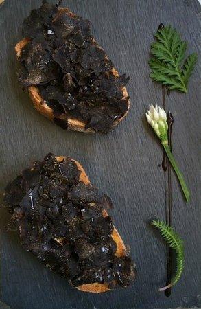 La Bouzerotte : Black is Black