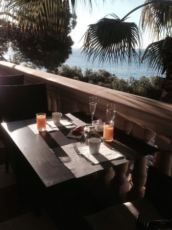Barcelo Illetas Albatros: Breakfast view