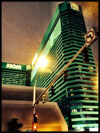 MGM Grand Hotel and Casino : MGM Grand.