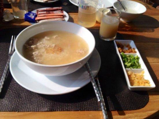 Marrakesh Hua Hin Resort & Spa: Look what Chef Donnaya/Gina cooked for me, rice and pork, sooo good!